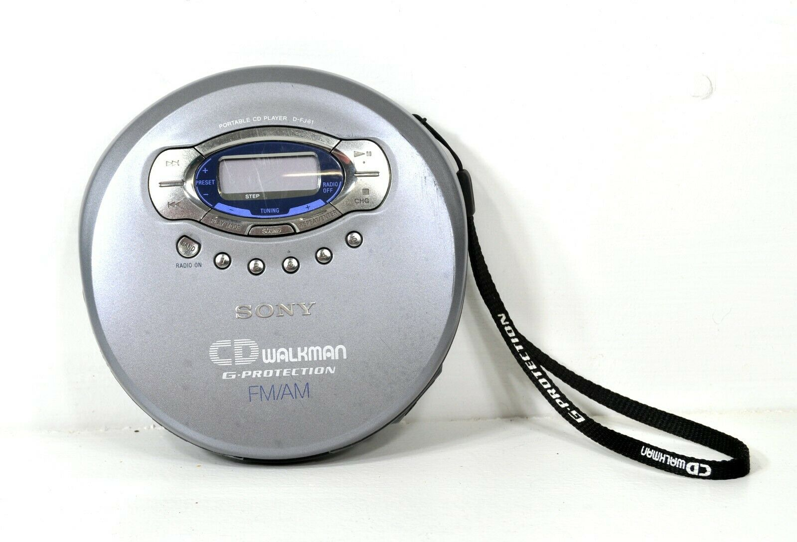 Sony CD Walkman FM AM Radio with G Protection (Tested Works As is)