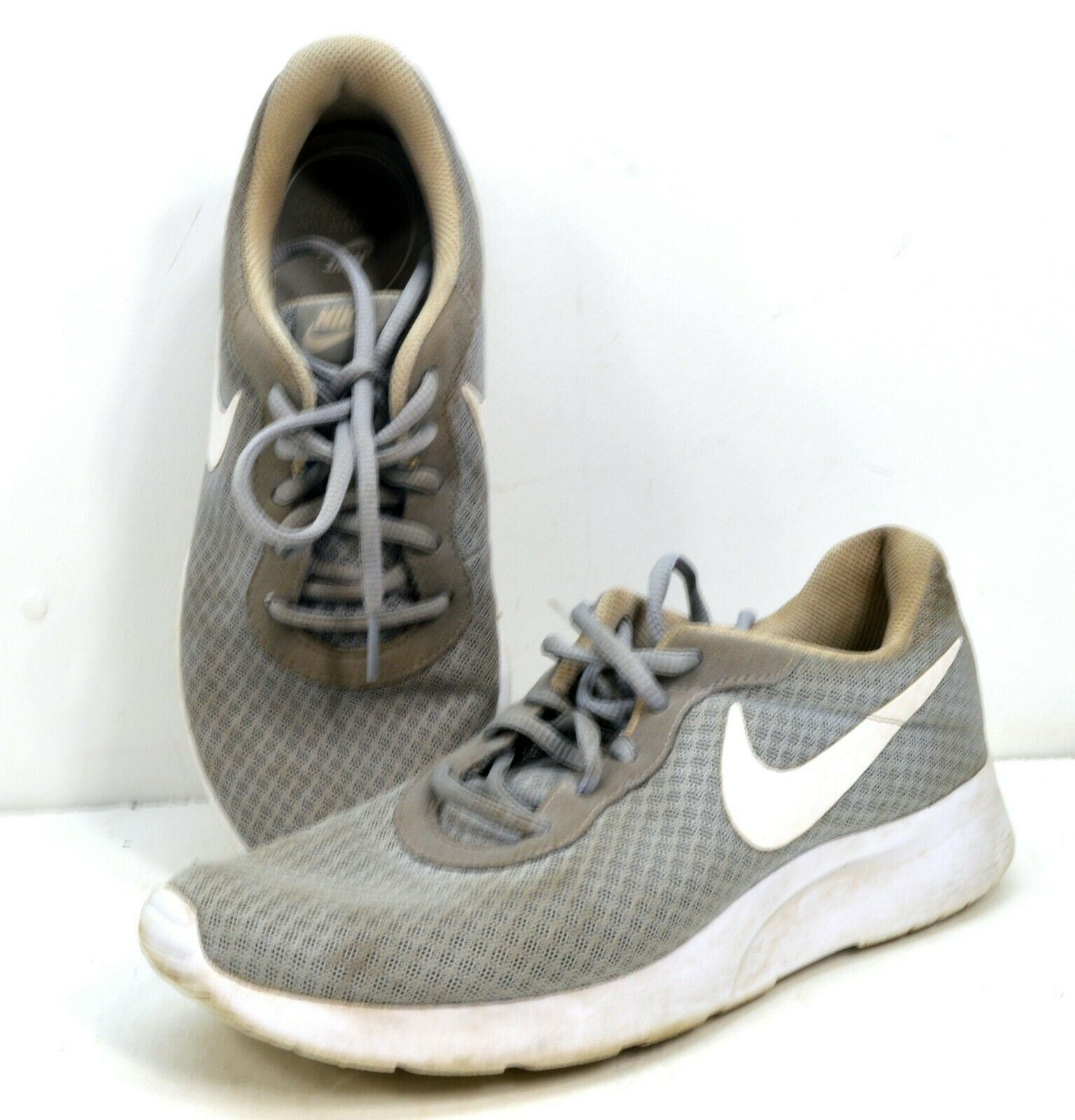 Women's Nike TANJUN Casual Athletic Shoes 812655-010 Wolf Grey/White Size 9